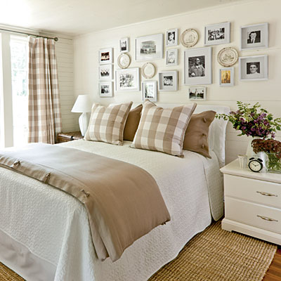 1208-idea-house-khaki-bedroom-l